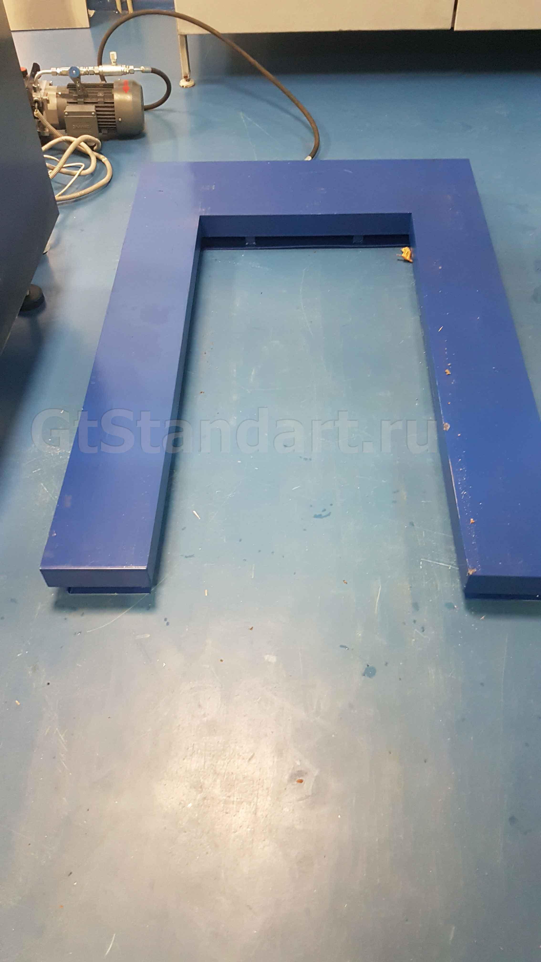 E образный подъёмный стол