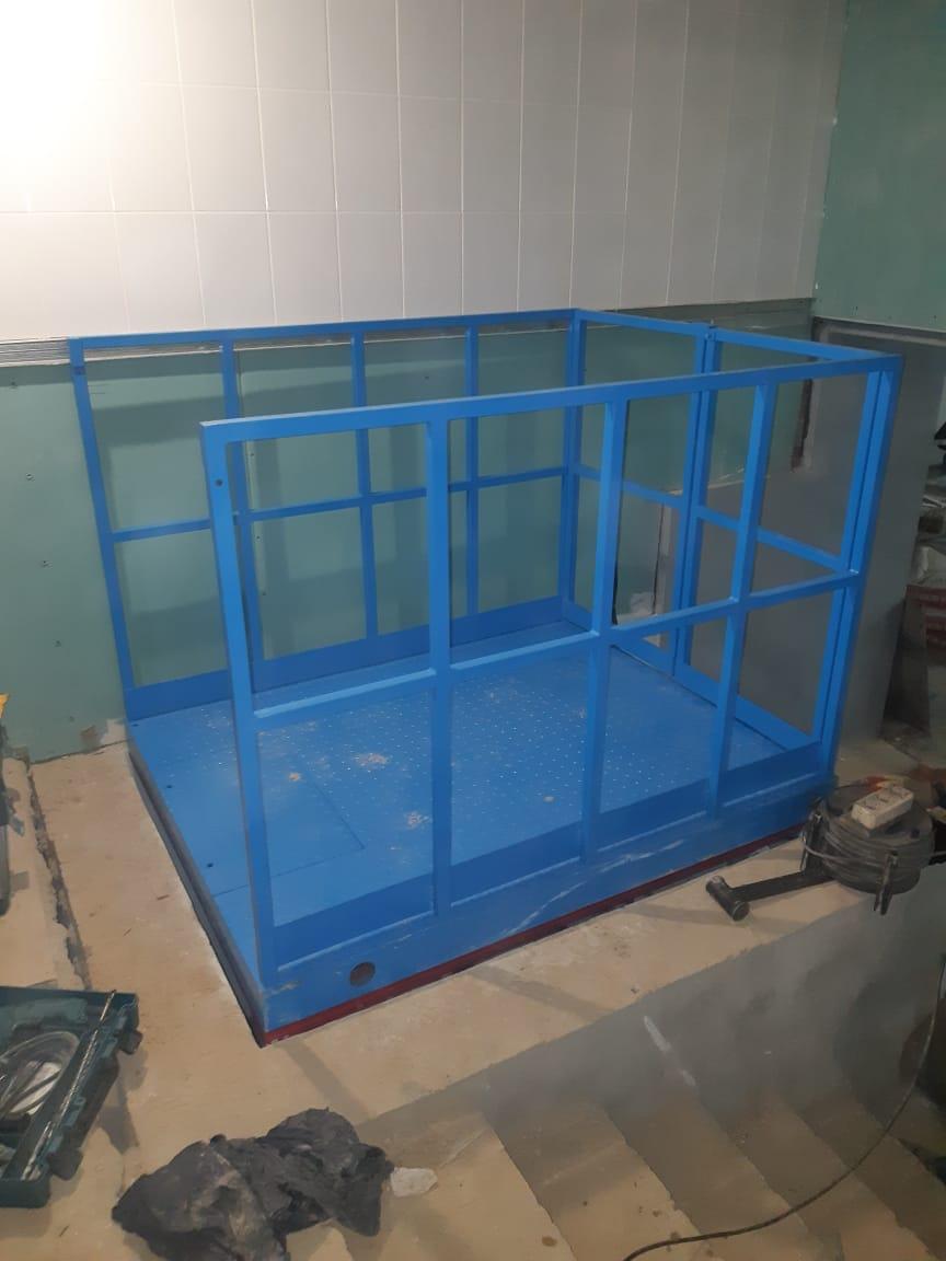Гидравлический подъёмный стол в Курске