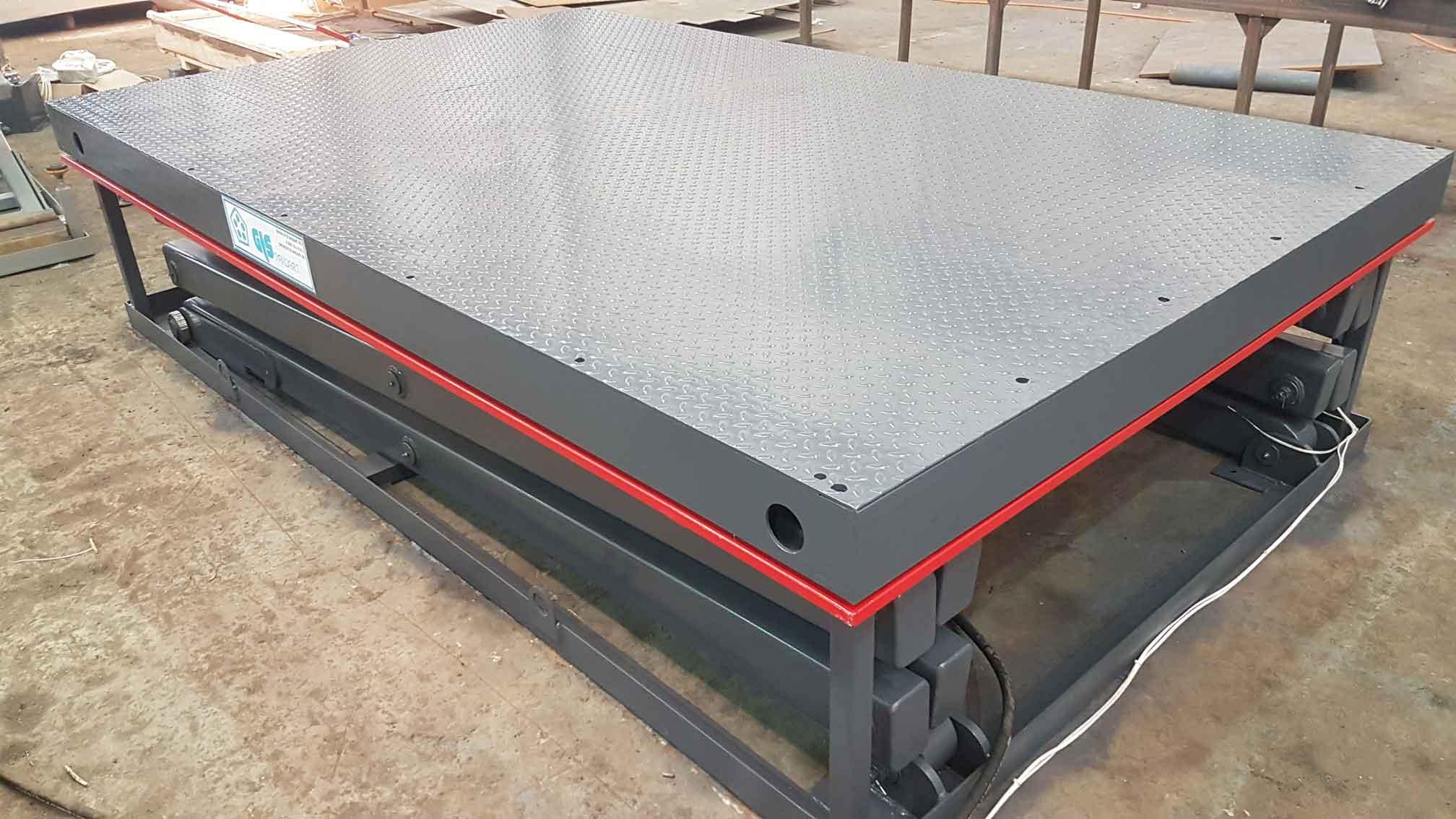 ножничные подъемные столы и платформы