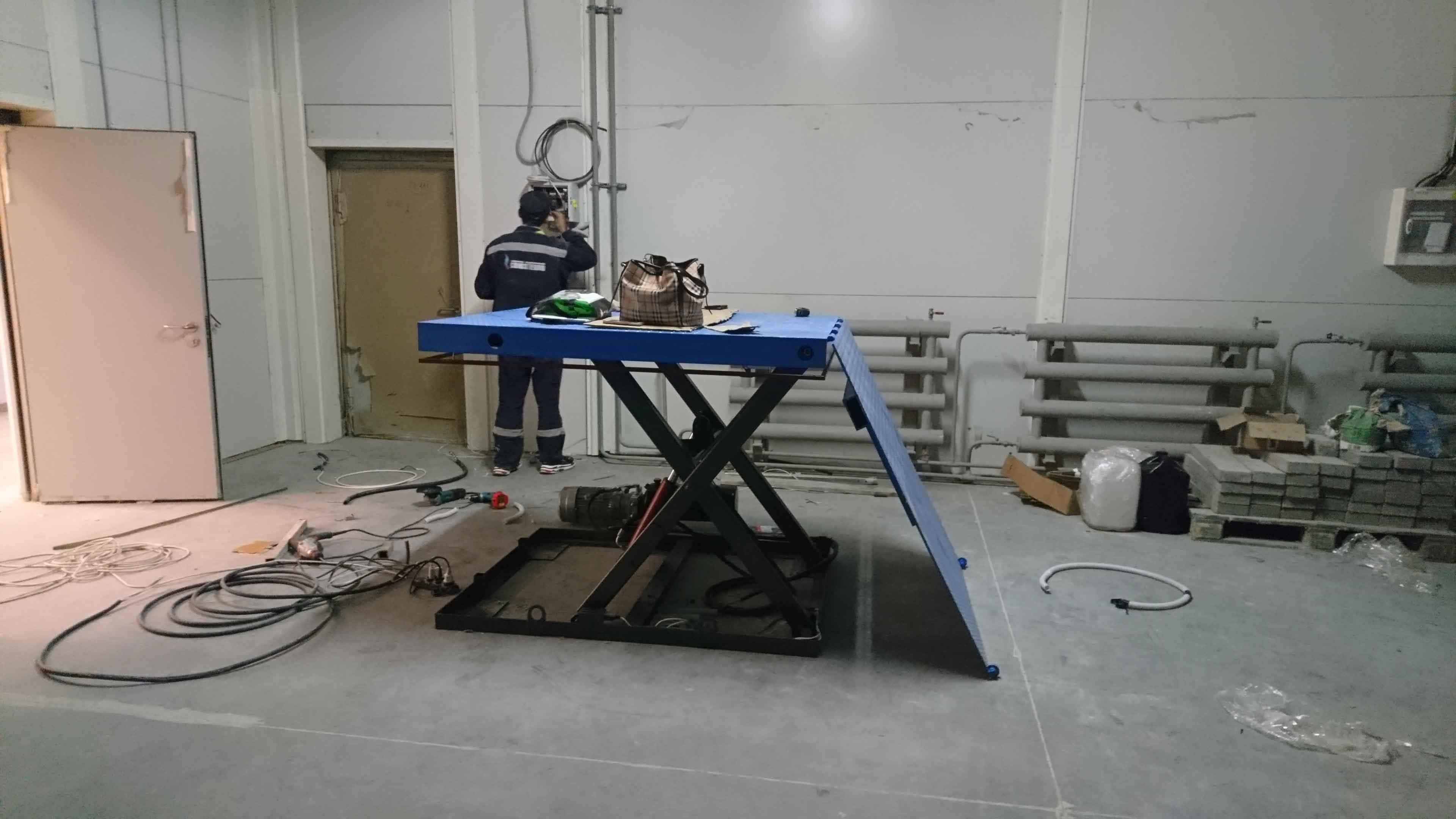 Гидравлический-подъёмный-стол-1000-кг